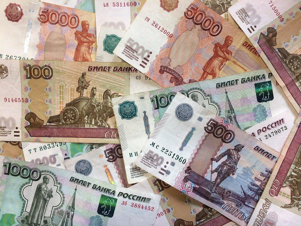 Смолянка украла у родственницы 60 тысяч рублей