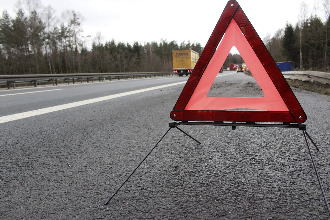 В Рославльском районе «Opel» собрал аварийный «паровозик»