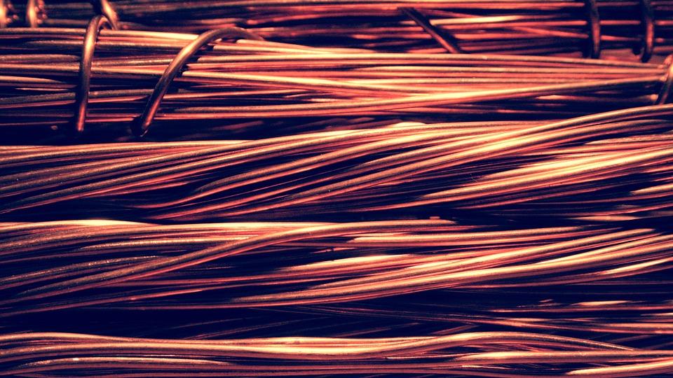 Смолянин стащил из чужого дома электропроводку и сдал ее на металлолом